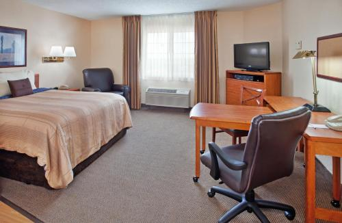Candlewood Suites Emporia Photo