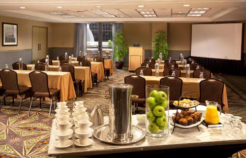 DoubleTree Suites by Hilton Austin photo 9