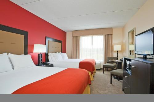 Holiday Inn Express Hotel & Suites Kodak East-Sevierville Photo