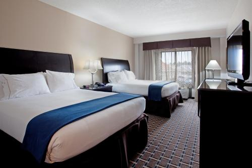 Holiday Inn Express Hotel & Suites Hope Mills-Fayetteville Airport Photo
