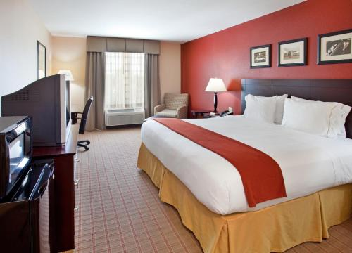 Holiday Inn Express Hotel & Suites Andover East 54 Wichita Photo