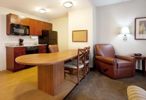 Candlewood Suites Columbia-Fort Jackson Photo