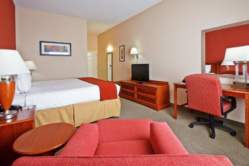 Holiday Inn Express Hotel & Suites Manchester Conference Center Photo