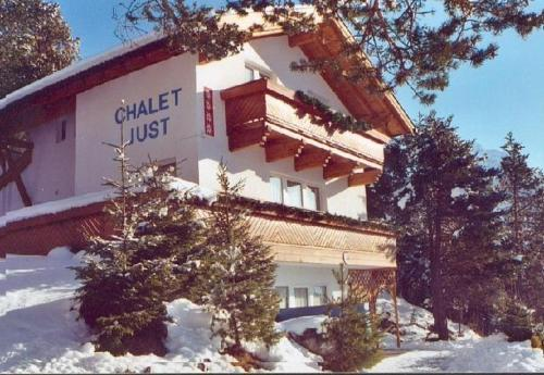 Chalet Just