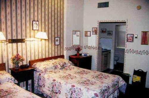 Biltmore Suites Hotel Photo