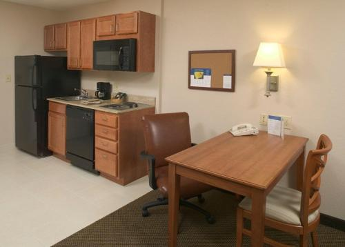 Candlewood Suites Chambersburg Photo