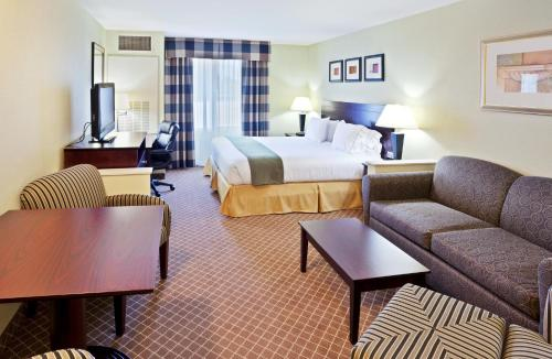 Holiday Inn Express Hotel & Suites Chehalis - Centralia Photo