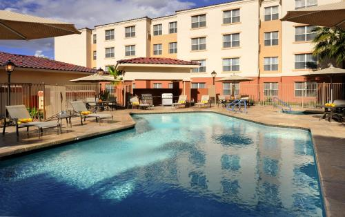 Residence Inn Phoenix Airport Photo