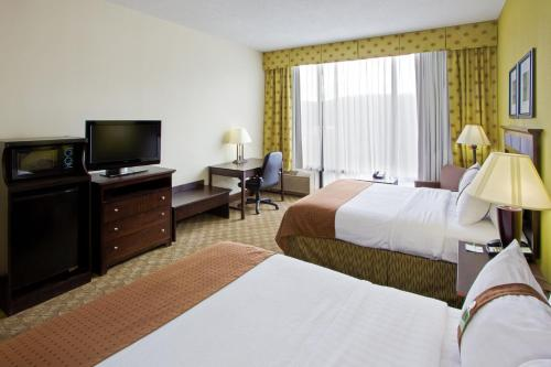 Holiday Inn Roanoke - Tanglewood Route 419 & I 581 Photo