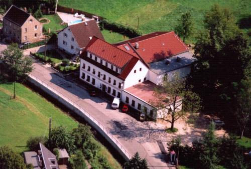 Landhotel Goldener Löwe mit Pension Am Taurastein