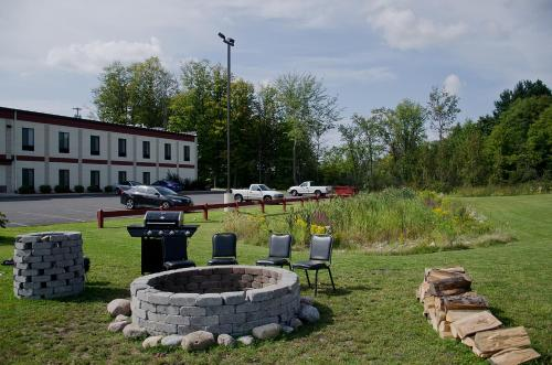 Pleasant Night Inn- Fort Drum Photo