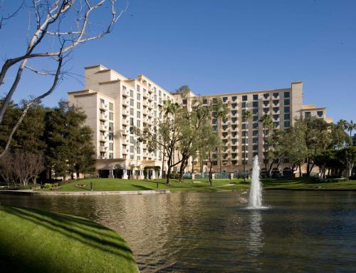 Costa Mesa Marriott Photo