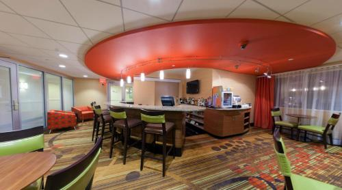 Radisson Plaza Hotel at Kalamazoo Center Photo