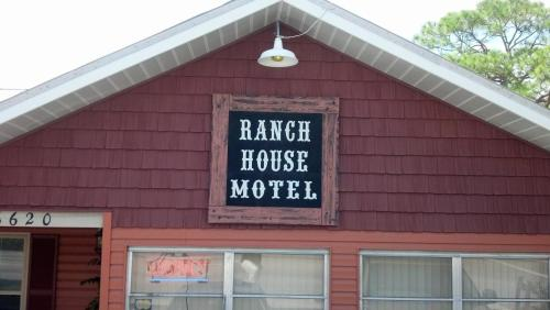 Buffalo Chip's Ranch House Motel Photo