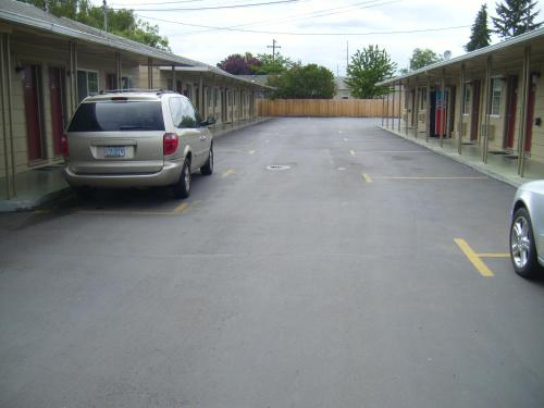 Cascade City Center Motel Photo