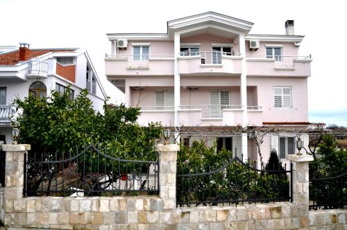 Apartments Perezaj