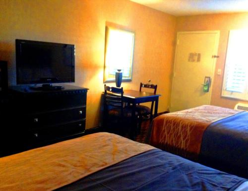 Comfort Inn Woodland Hills/Warner Center Photo