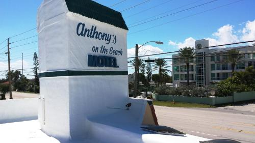 Anthony's on the Beach Photo