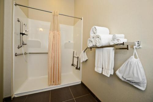 Best Western Atrea Airport Inn and Suites Photo