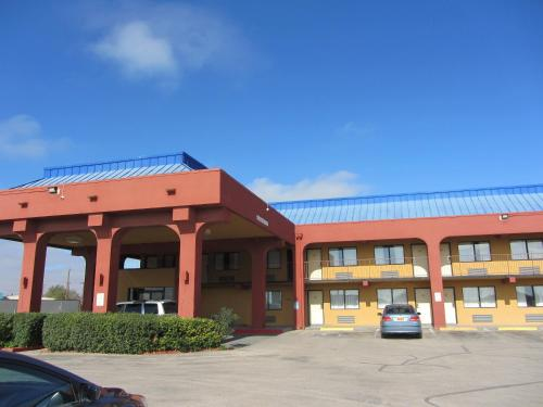 Days Inn Midland Texas - Midland, TX 79703