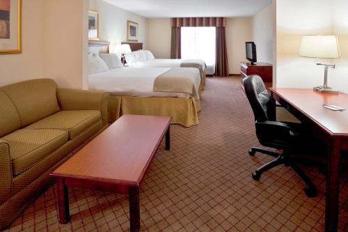 Holiday Inn Express St. Petersburg North (I-275) - St Petersburg, FL 33714