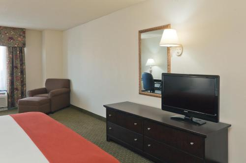 Holiday Inn Express Bloomington North-Martinsville Photo