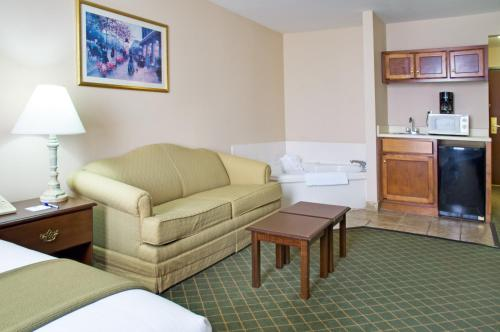 Holiday Inn Express Hotel & Suites Livingston Photo