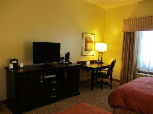 Country Inn & Suites Midland Photo