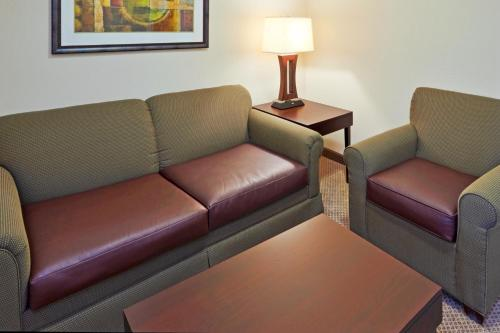 Holiday Inn Hotel & Suites Waco Northwest Photo