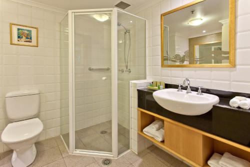 Radisson Hotel & Suites Sydney photo 17