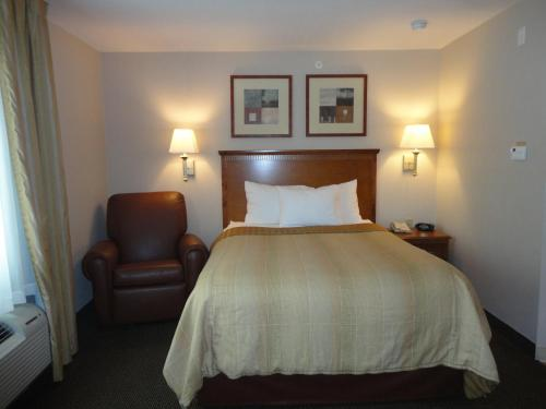 Candlewood Suites San Antonio NW Near SeaWorld Photo
