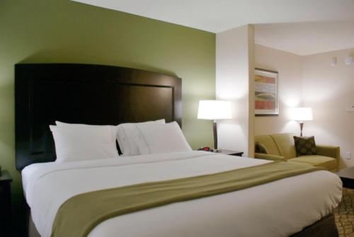 Holiday Inn Express Tulsa South Bixby Photo