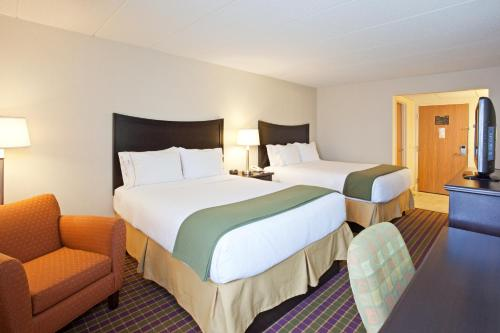 Holiday Inn Express London-I-70 Photo
