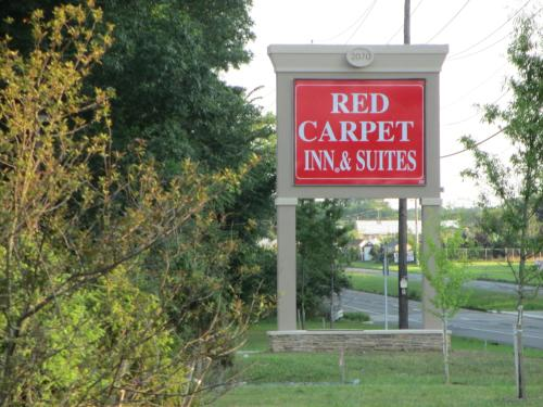 Red Carpet Inn and Suites Monmouth Junction Photo