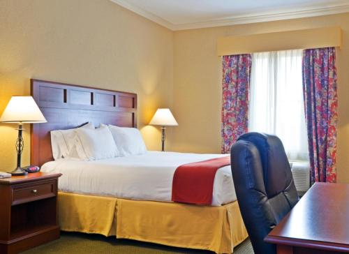 Holiday Inn Express of Salado-Belton Photo
