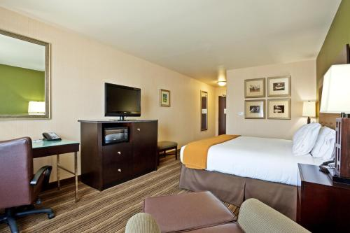 Holiday Inn Express Hotel Twin Falls Photo