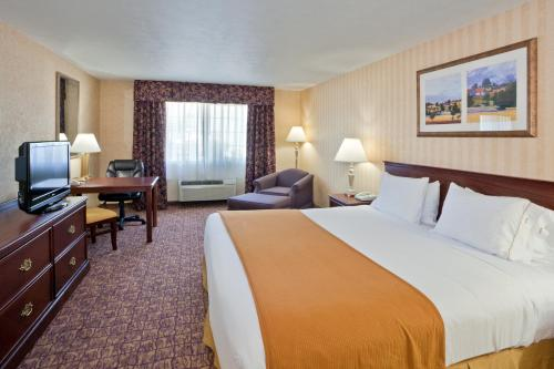 Holiday Inn Express Wenatchee Photo