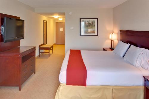 Holiday Inn Express Hotel & Suites Brockville Photo