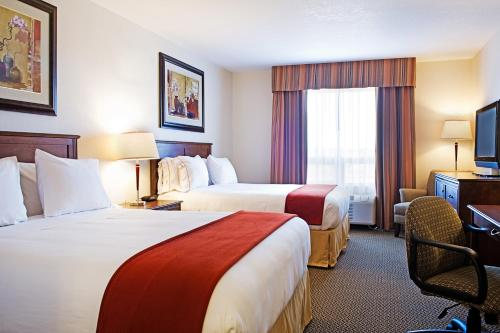 Holiday Inn Express & Suites Drayton Valley Photo