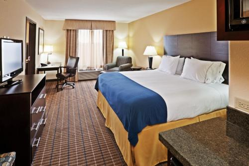 Holiday Inn Express and Suites Hotel - Pauls Valley Photo