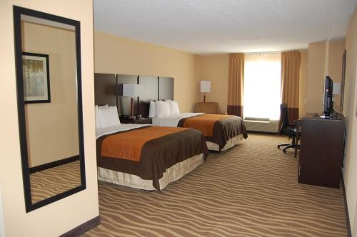 Comfort Inn & Suites Lexington Park Photo
