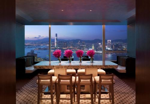 Executive King Suite with Harbour View