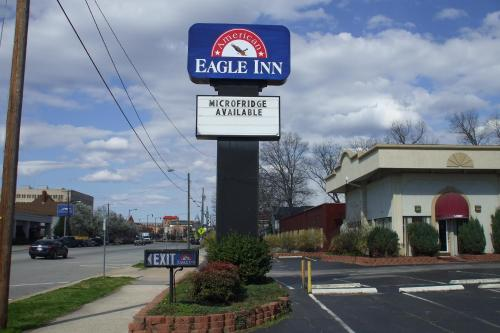 Picture of American Eagle Inn Fayetteville/><p class=