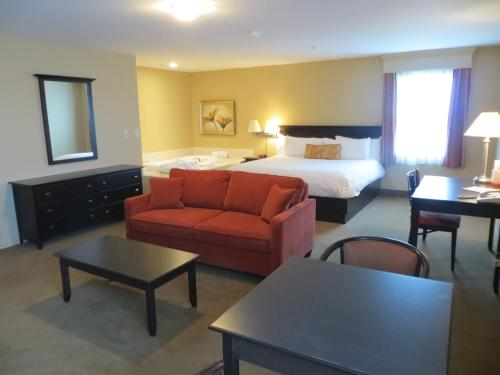 Quality Inn & Suites Amsterdam Quispamsis Photo