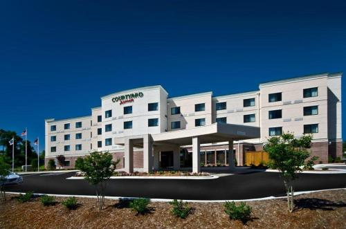 Courtyard by Marriott Salisbury Photo
