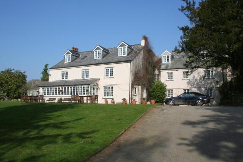 Great Trethew Manor Country Hotel and Restaurant in Liskeard from £45