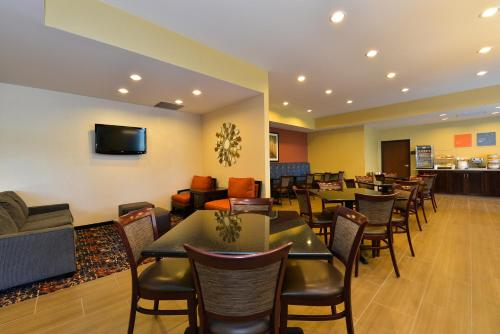 Comfort Inn Saint Clairsville Photo