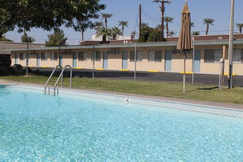 Indio Holiday Motel Photo