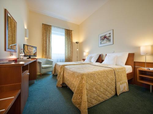 Ramada Airport Hotel Prague photo 12