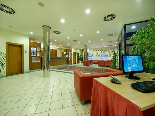 Ramada Airport Hotel Prague photo 20